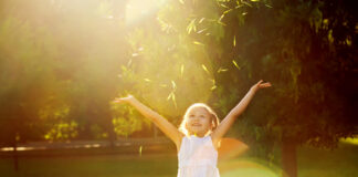Bernard Rouch cercherà di aiutarci a ripristinare la semplicità e il fascino dell'infanzia